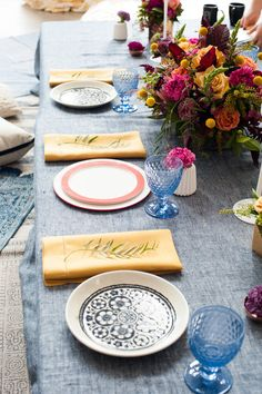Party table decor: Photography: Lillie Louise Photography - www.lillielouisephotography.com   Read More on SMP: http://www.stylemepretty.com/living/2017/02/27/bright-eclectic-flower-filled-baby-shower/