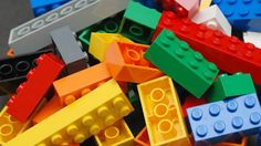Lego is one of those toys that pretty much everyone remembers playing with. No matter how old you are, boy or girl, everyone can enjoy Lego! Le Braille, Lego Therapy, Play Therapy, Art Therapy, Leadership Lessons, Change Leadership, Leadership Development, Leadership Stories, School Leadership