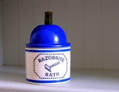 Vintage Razobrite Razor Bath Cleaner Vanity Bathroom by veraviola, $35.00
