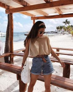 Discover ideas about Summer Holiday Outfits « voguee. Summer Holiday Outfits, Cute Summer Outfits, Short Outfits, Spring Outfits, Casual Outfits, Cute Outfits, Fashion Outfits, Womens Fashion, Casual Shorts Outfit