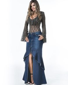 ✨Look Desejo do Dia✨ Label We Love ❤ Sabe aquela Saia Jeans tem que ter da temporada?E com essa Bata de Renda,ficou um luxo!! #labeldreamwinter #labelgirl #labelJeansdeluxe