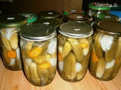 Znojemské uhorky (fotorecept) Raw Food Recipes, Pavlova, Pickles, Cucumber, Food And Drink, Health Fitness, Canning, Med, Raw Recipes