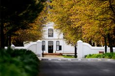 Wonderful wines + beautiful architecture = Stellenbosch, of course. Beautiful Architecture, Beautiful Buildings, Beautiful Homes, South African Homes, Cape Dutch, Dutch House, Namibia, Dutch Colonial, Out Of Africa