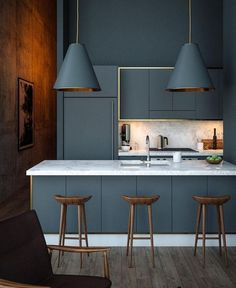 40 Gorgeous Grey Kitchens Often used in bedroom design, the soft appeal of grey can cool many interiors. Yet one secret power remains – its subtle transformation of kitchens. Often left Contemporary Kitchen Cabinets, Modern Kitchen Design, Interior Design Kitchen, American Kitchen Design, Grey Interior Design, Classic Interior, Modern Design, Küchen Design, House Design