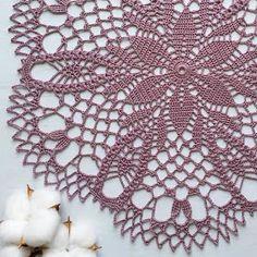 Tecendo Artes em Crochet: Toalhinha Muito Linda Doily Patterns, Embroidery Patterns, Crochet Patterns, Crochet Dollies, Crochet Top, Crochet Tablecloth, Doilies, Crochet Projects, Beaded Jewelry