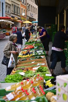 Farmers Market, Lausanne, Switzerland by Brian G. Lausanne, Winterthur, Zermatt, World Food Market, Chinese Holidays, Diy Garden Projects, What A Wonderful World, Farmers Market, Street Food