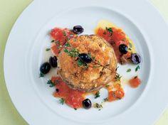 Gratinierte Artischocken mit Ziegenkäsefüllung: In Zitronenwasser gekochte Artischocken mit einer besonderen Käsevariation sind die Garantie für einen gelungenen Dinner-Abend. Ab in den Ofen und fertig ist dieser vegetarische Leckerbissen. www.fuersie.de/kochen/polettos-rezepte/galerie/vegetarische-rezepte-von-cornelia-poletto/page/5#content-top