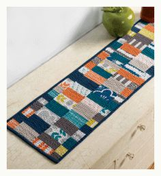 small quilting projects table runner Amy Ellis