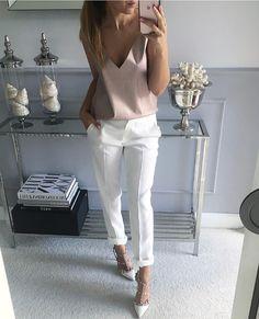 Fashion Outfits Women Work White Pants 48 Ideas For 2019 Mode Outfits, Chic Outfits, Fashion Outfits, Fashion Trends, Fashion Clothes, Womens Fashion, Fashion Sale, Paris Fashion, Fashion Fashion