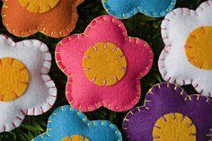 sencillas flores de fieltro para aplicar