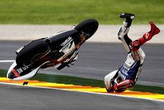 Le champion du monde Jorge Lorenzo a chuté à mi-course au grand prix de Valence, le 11 novembre.