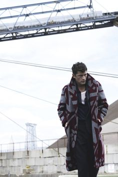 http://chicerman.com  billy-george:  I LOVE LOVE LOVE that coat!  #streetstyleformen