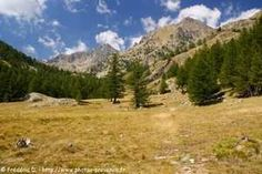 La vallée et le refuge de la Valmasque, dans la vallée de la Roya, depuis Castérino.