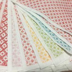製作はまだまだ続いています。 30枚ほど完成しました。 ヘアゴム、ブローチも並行して製作しています。 #コメントお休み中 #新潟 #needlework #uchico #uchicosashico #刺し子 #sashiko #花ふきん #刺し子のある暮らし #花刺し #ブローチ #刺し子ブローチ 6月3・4日柏崎クラフトフェアに出店します #柏崎クラフトフェア