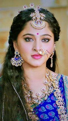 Beautiful Blonde Girl, Beautiful Girl Photo, Beautiful Girl Indian, Most Beautiful Indian Actress, Beautiful Women, Cute Beauty, Beauty Full Girl, Beauty Women, Beautiful Bollywood Actress