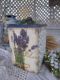 Короб ` Lavender `Продан. Как будто совсем старенький и видавший виды короб, выполнен в технике декупаж в лавандовой родной тематике... с удовольствием будет хранить для Вас травы, пряности, чай и , конечно же станет интересным подарком…