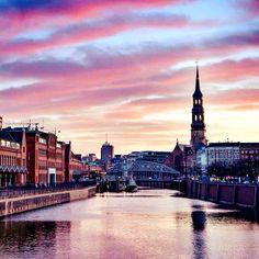 Ich liebe es in Hamburch auf Fototour zu gehen, um dabei neue Fotospots zu entdecken. Es gibt in der schönsten Stadt der Welt einfach so...
