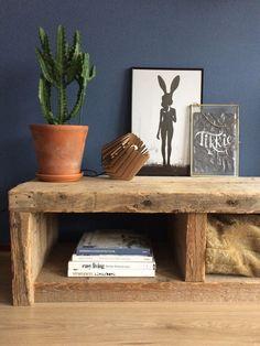 binnenkijken bij karlijnk Tv Furniture, Diy Pallet Furniture, Unique Furniture, Tv Board, Wood Fireplace, Living Room Tv, Decoration, Scandinavian Design, Room Inspiration