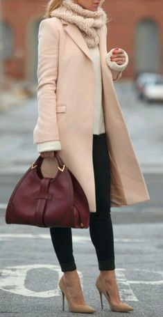 Winter coat handbag complete the stylish business outfit, - Winter Work Outfits Classy Outfits For Women, Winter Outfits Women, Fall Outfits, Winter Clothes Women, Formal Winter Outfits, Outfits 2016, Winter Dresses, Winter Coats For Women, Christmas Outfits For Women
