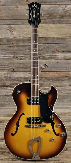Guild T-100D Sunburst 1962