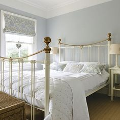 Amazing and Unique Victorian Bedroom Design Ideas. Applying Main Victorian Bedroom Design Ideas in your home can be very fun, especially for women, who dream to live like a queen. Most people prefer th. Pale Blue Bedrooms, White Metal Bed, Bleu Pale, Pale Pink, Farmhouse Style Bedrooms, Bedroom Country, Cottage Bedrooms, Bedroom Photos, Bedroom Vintage