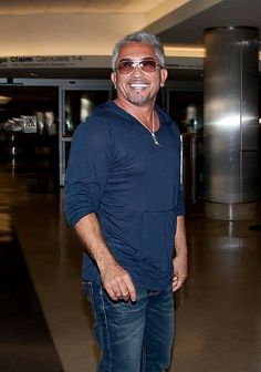 Cesar Millan Photos: Cesar Millan at LAX