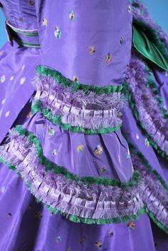 1860 extant lavender gown w/ green trim- sleeve trim