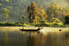 Situ Gunung daerah Cisaat Sukabumi Jawa Barat. (Foto by : Johan Alwi) #wisataBDG #ExploreNusantara #PesonaIndonesia