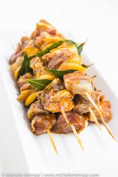 Lamb & Apricot Sosaties - Tempt Yourself With These Easy-to-make Lamb Sosaties Dried Apricots, Dried Fruit, South African Recipes, Ethnic Recipes, Lamb Shoulder, Curry Powder, Skewers, Kung Pao Chicken, Stuffed Peppers