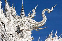 Wat Rong Khun le temple blanc 10   Wat Rong Khun le temple blanc   Wat Rong Khun thailande temple photo magie image Chalermchai Kositpipat b...