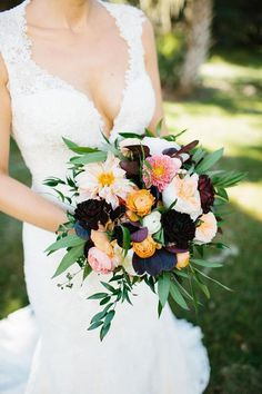 Tiger Lily Weddings - autumn bouqeut, tiger lily, dahlias, raunculus, garden roses, legare waring