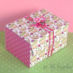 instructions and printables on how to make this adorable cupcake box