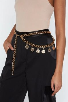 Womens That Makes Cent Coin Chain Belt - Put two and two together. The That Makes Cent Belt features a curb chain, loop design, coin detailing, and lobster clasp closure. Date Night Dresses, Night Outfits, Cute Outfits, Bar Outfits, Vegas Outfits, Fashion Belts, Fashion Outfits, Womens Fashion, Woman Outfits