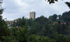 Le château de Porciano proche de Stia en Toscane a gardé sa rudesse médiévale. Curieusement aucun compromis durant la Renaissance a été fait. Cette construction semble figée dans le temps !