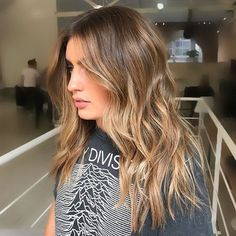 A dreamy #sunkissed #balayage colour cut and styling by @dane_edwardsandco. #edwardsandco #edwardsandcosurryhills