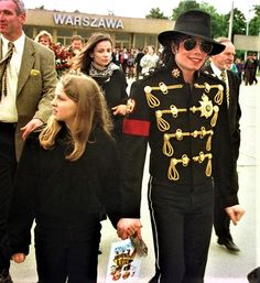 The King with one of L.M. Presley's kids.