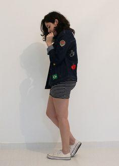 Look do dia: Listras e uma reflexão sobre moda - UM POUCO DE PÓ MÁGICO - moda, fashion, bodycon, vestido, listras, jaqueta, diy, patches, jeans, minimalismo, tenis