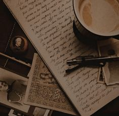 Brown Aesthetic, Aesthetic Vintage, Aesthetic Grunge, Dark Princess, Images Esthétiques, The Secret History, Aesthetic Pictures, Aesthetic Wallpapers, Light In The Dark