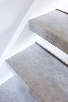 Upstairs Staircase Renovations is a renowned partner for every staircase renovation. Our years of experience and craftsmanship make us the specialist in staircase renovation.