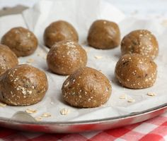 Quick, easy and healthy 3 ingredient snack recipes for kids, teens and adults! The perfect guilt-free treats and desserts! These simple recipes are perfect for weight loss and health. Healthy Snacks For Kids, Healthy Treats, Easy Healthy Recipes, Quick Easy Meals, Snack Recipes, Simple Recipes, Kids Cooking Recipes, Kids Meals, Cooking Games