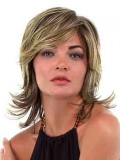 Love Layered Hair:- These 17 Medium Layered Hairstyles Will Wow You Medium Layered Hair, Medium Hair Cuts, Medium Hair Styles, Curly Hair Styles, Natural Hair Styles, Medium Curly, 2015 Hairstyles, Hairstyles For Round Faces, Layered Hairstyles