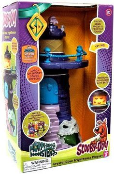 Scooby Doo Morphing Monsters Crystal Cove Frighthouse Playset -- perfect for Halloween! Make a monster out of putty.