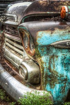 Mossy Chevy Truck HDR by an awesome photographer, Mark Brooks. i would own this fix all the mechanical and never wash it!