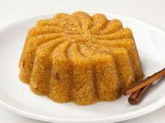 Halvah with orange! Greek Sweets, Greek Desserts, Greek Recipes, Desert Recipes, Easy Sweets, Homemade Sweets, Halva Recipe, Greek Cake, Desserts With Biscuits