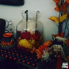Alecia and her family LOVE all things Fall! Here, she shares some of her favorite kid friendly seasonal DIY decor project ideas! http://corpuschristi.citymomsblog.com/mom/falling-love-fall-family-friendly-diy-autumn-decor/