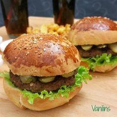 Hamburger Hamburger Ekmeği Tarifi Evde Hamburger Yapımı Bazı günler,gününüzü planlarsınız ama farklı şeyler yaşarsınız ya..Bizim içi... Pasta, Homemade Beauty Products, Sandwiches, Health Fitness, Food And Drink, Chicken, Ethnic Recipes, Wordpress Theme, Salads