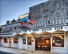 Mo's World Famous Clam Chowder - <3  Newport, Oregon
