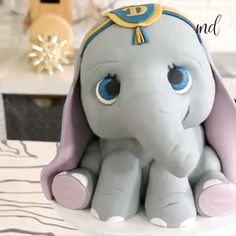 Dumbo Elephant Cake- Dumbo Elephant Cake What& the matter with his ears? Crazy Cakes, Fancy Cakes, Cute Cakes, Pretty Cakes, Cake Decorating Videos, Cake Decorating Techniques, 3d Cakes, Cupcake Cakes, Book Cakes