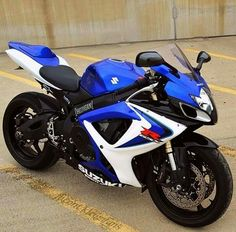 Love it!!!!! Suzuki Motorcycle, Moto Bike, Motorcycle Garage, Cbr, Suzuki Japan, Concept Motorcycles, Gsxr 600, Sportbikes, Top Cars