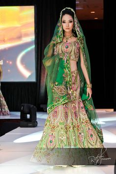 Asian Fashion Blog: Ekta Solanki wins Collection of the Year at the 2010 International Asian Fashion Awards